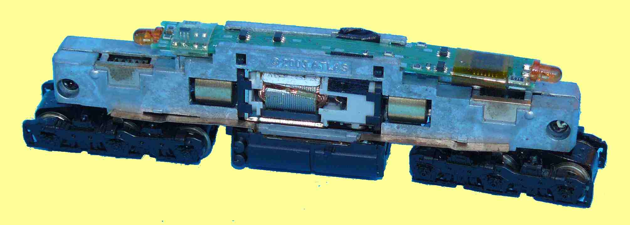 Atlas SD7 - bogies rotated plus DCC decoder